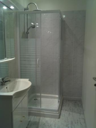 top cration duune salle de bains doublage et isolation des murs faences intgrales pose duun. Black Bedroom Furniture Sets. Home Design Ideas